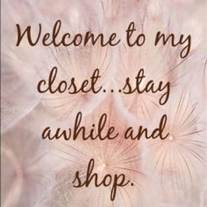Hello 💕 Welcome to my closet